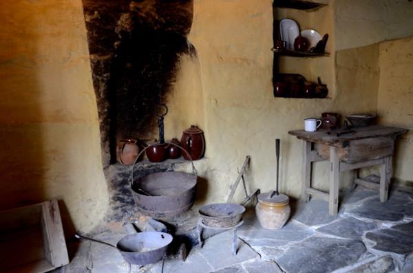 Fotos-de-Romangordo-en-Caceres-interior-Ecomuseo-Casa-del-Tio-Cascoles